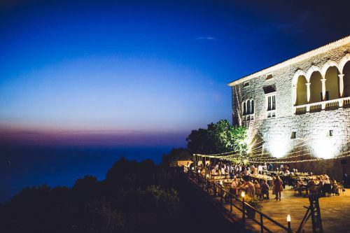 Light Up Your Love: Fabulous Festoons and Fairy Lights for Your Wedding in Mallorca